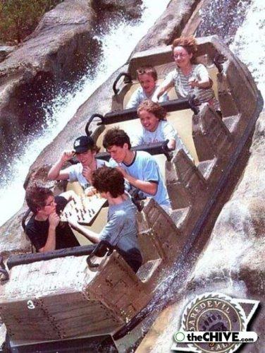 roller coaster 10 Best Roller Coaster Souvenir Photos Ever (19 Photos)