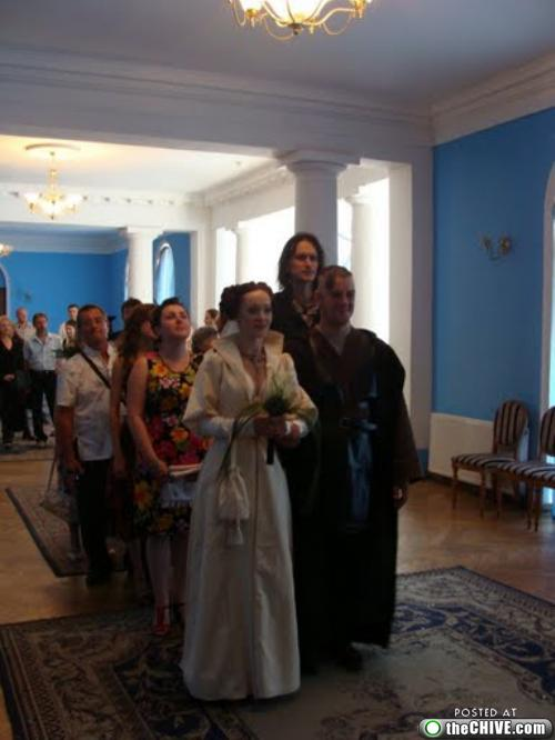 add these too 0 This Star Wars wedding is perfectly normal, not weird at all (22 Photos)