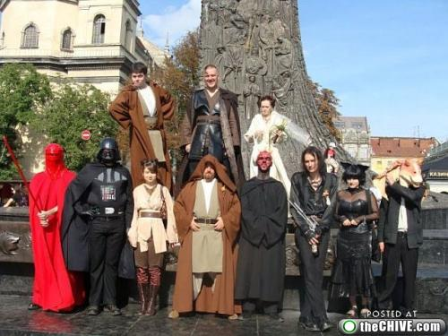 star wars lead 181 This Star Wars wedding is perfectly normal, not weird at all (22 Photos)