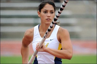 Sexy Girls Pole Vaulting Thechive