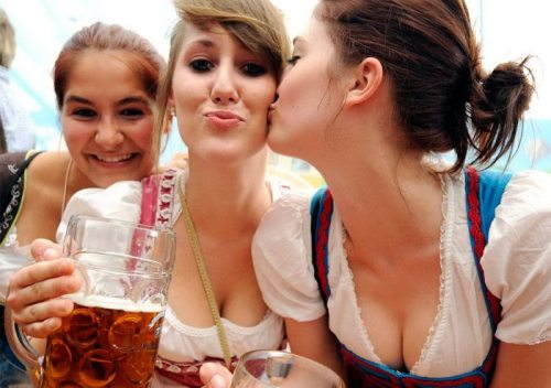 sexy oktoberfest cleavage girls 19 Oktoberfest is upon us once again, let the cleavage flow like beer (45 Photos)