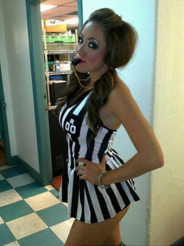 Sexy girl ref costume