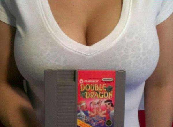 hot babe with sexy boobs sells DOUBLE DRAGON video game