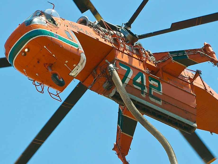 """a user fd helicopters s64e 920 1 User submit: puttin out flames with """"Elvis""""...S 64E (53 HQ Photos)"""