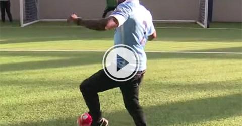Comedian Kevin Hart takes penalties against Jo Hart (Video)