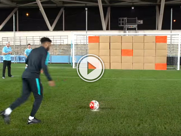 The dude perfect guy make awesome video with Arsenal and Man city.