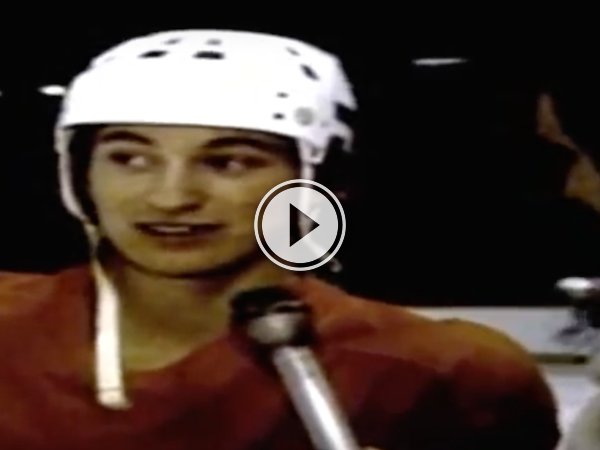 What happens when you bench a 17-year old Gretzky, he goes on a tear! (Video)