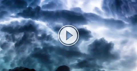 Time-lapse storm off the Queensland coast (Video)