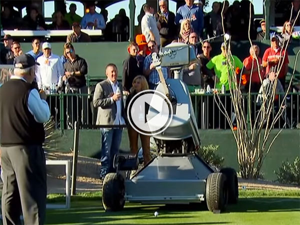 Golf playing machine hits a hole-in-one (Video)