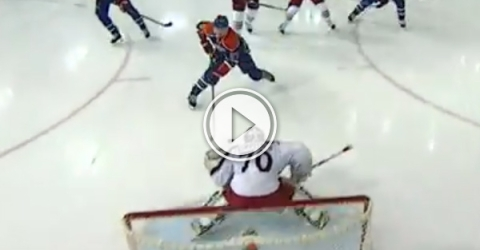 NHL rookie scores in first game after 3 month injury (Video)