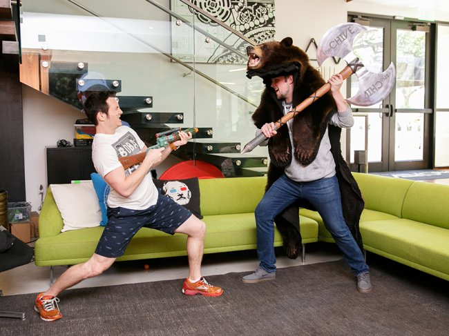 ichive is home to a battle for the ages photos 1 Two editors, one t shirt cannon (6 Photos)