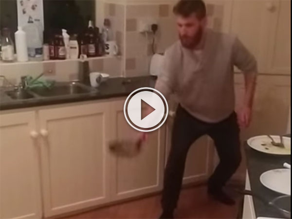 Man flips pancake and does roll before catch (Video)