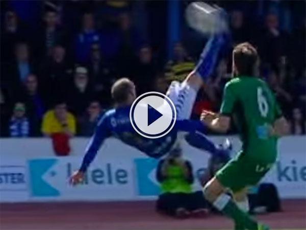 Stunning long range overhead kick (Video)