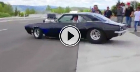 Video of a fantastic car getting driven. (video )