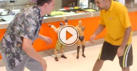 Man wrestles for free kebab(Video)
