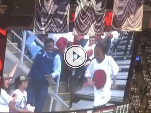 When the camera pans to you, you have to shake it HARD! (Video)
