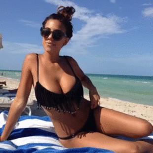 Gif of sexy babe shaking her big tits in bikini (gif)