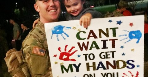Chive brings happiness to army soldiers by bringing them best wishes from their children