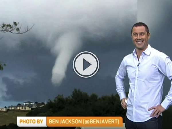Weatherman Spots 'Penis Cloud' During Report, Can't Keep It without laughing (video)