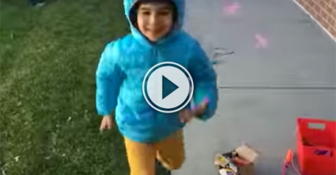Dad films picking up his son from school everyday (Video)