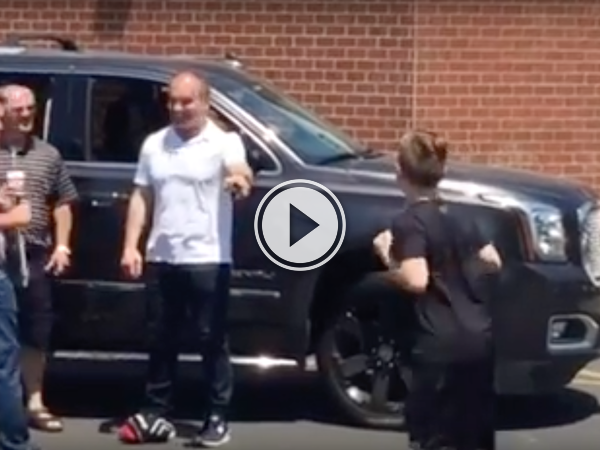 Even in retirement, Tie Domi's always getting into fights! (Video)
