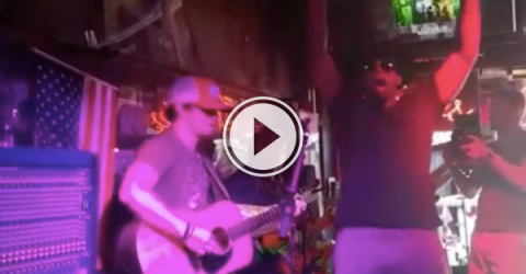 It's open mic night at the local hockey bar! (Video)