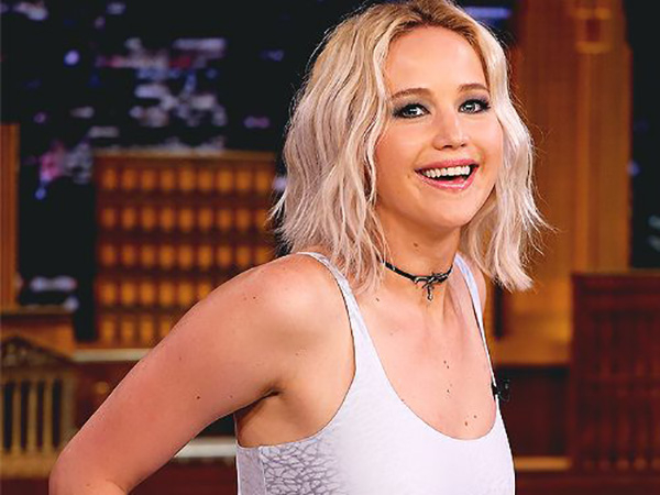 Smiling face of Jennifer Lawrence from a tv interview