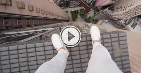 Fearless Russian daredevil risks death (Video)