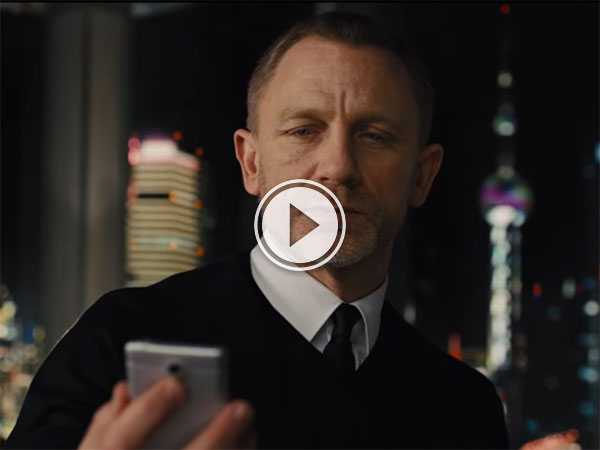 Movie characters playing Pokemon Go (Video)