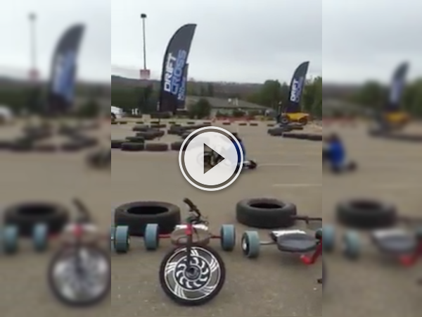 Whoa, someone's doing some tricycle drifting and I want in! (Video)