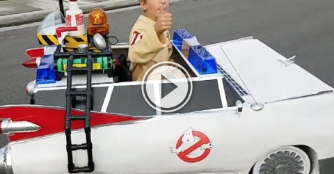 Kid in wheelchair makes awesome Halloween Ghostbusters Costume