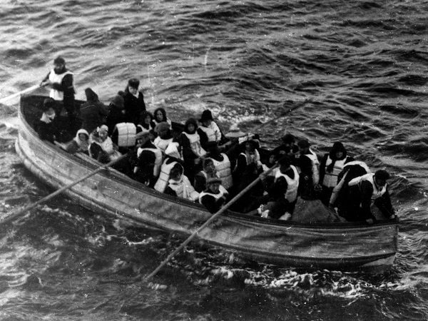 spine tingling accounts of the sinking of the titanic 8 photos 24 Spine tingling accounts of the sinking of the Titanic (8 Photos)