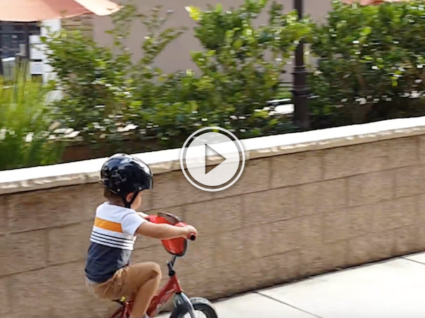 This 3-year-old kid is more metal than I'll ever be! (Video)