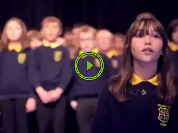 Girl with autism performs heartwarming rendition of 'Hallelujah' (Video)