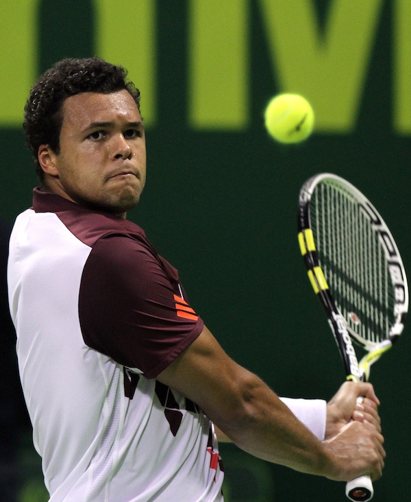 jo wilfried tsonga doha Tennis players kind gesture isnt forgotten by ball girl (4 Photos)