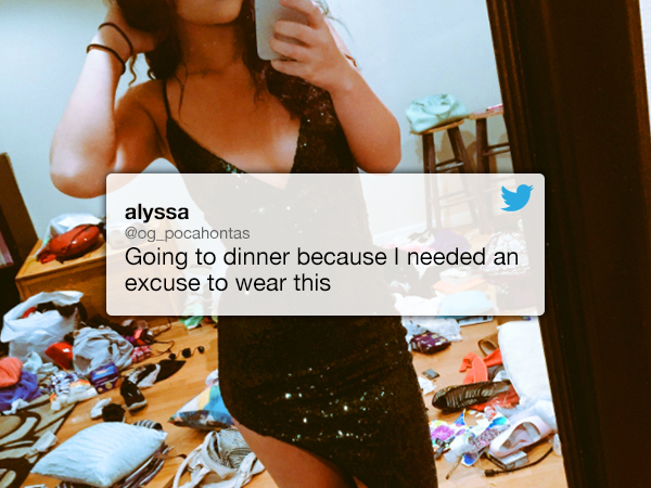 lead6 Girl posts sexy selfie, Twitter notices something disgusting instead (12 Photos)