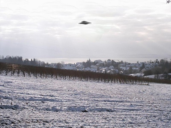 running into a u f o makes for some sketchy stories 10 photos 2 UFO stories are more than a little unnerving (8 Photos)