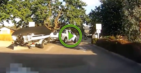 Maybe he could have avoided the curb in his boat (Video)