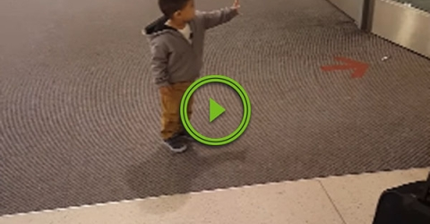 He thinks he's using the Force to open the doors (Video)