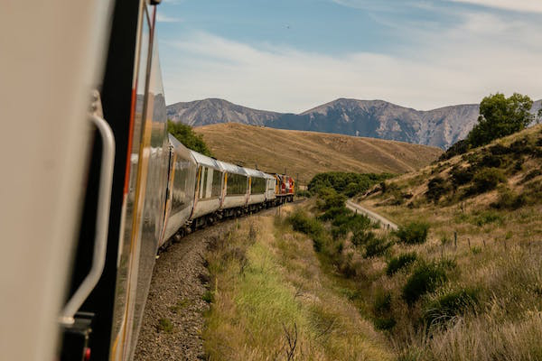 hop these trains and travel like youre in a post card 211 Hop these trains and travel like you're in a post card (13 Photos)