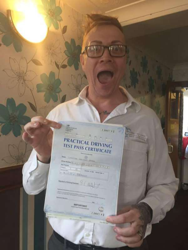 determined man finally passes his driving test after 33 tries 2 Determined man finally passes his driving test after 33 tries