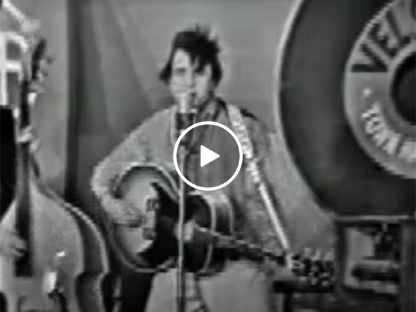 Johnny Cash completely roasts Elvis Presley (Video)