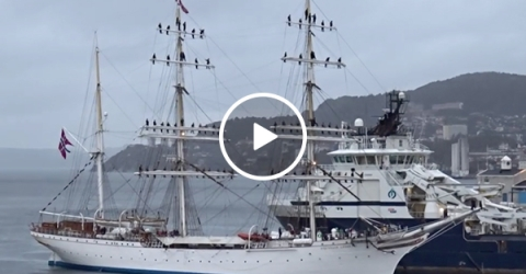 Norwegian sailors sing sea shanty as they pull into port (Video)