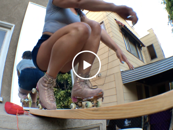 This groovy girl is skating right into my fantasies (Video)