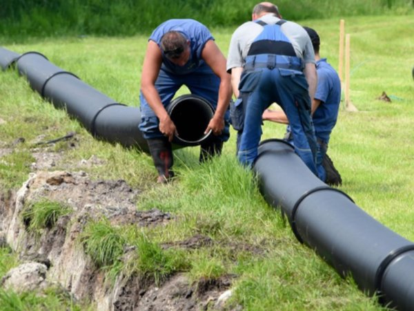 German music festival builds a beer pipeline (7 Photos)