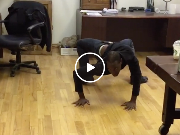 Man twists body into something out of a horror movie (Video)