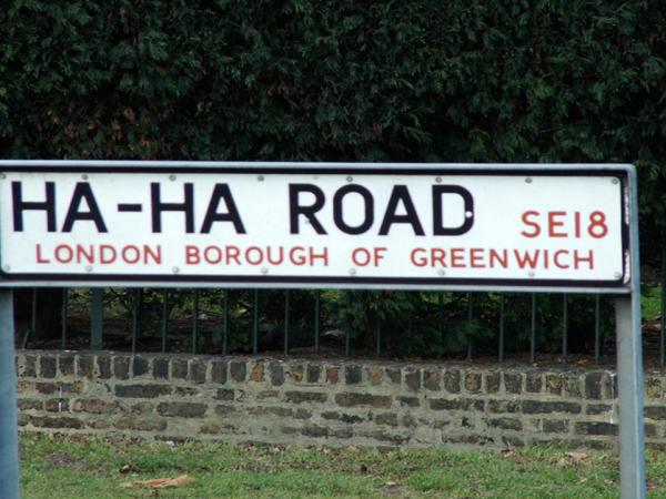 The UK has some strange street names (28 Photos)