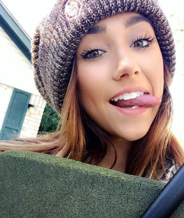 Just pucker your lips and Find Her (45 Photos) 2