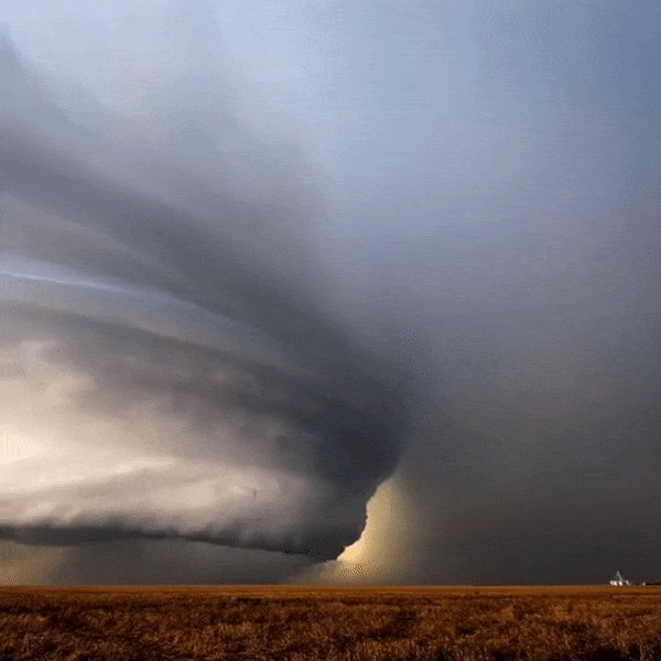 mother nature is equally as beautiful as she is terrifying 236 Mother Nature is equally as beautiful as she is terrifying (11 GIFs)