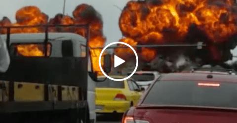 Dramatic footage shows plane crashing onto Washington highway (Video)